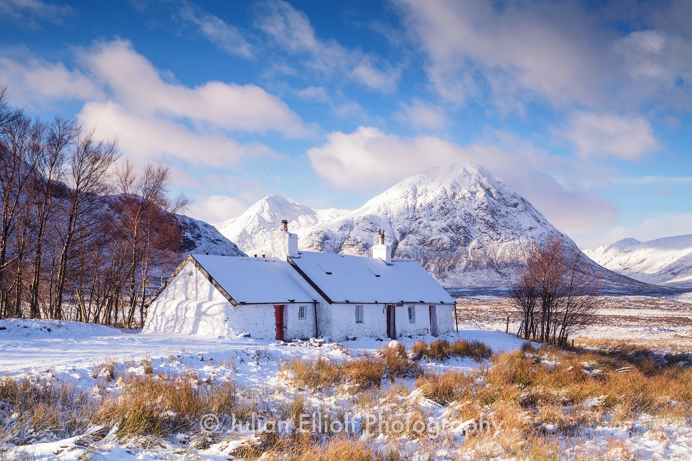 Black Rock Cottage and Buachaille Etive Mor durng Winter.
